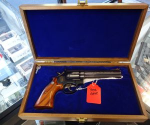 S&W Model 586 Westport, CT Police Commemorative